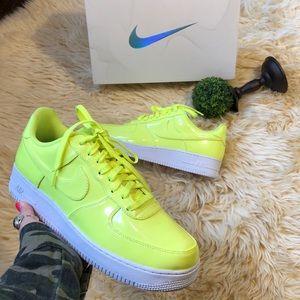 Nike Air Force 1 lv8 UV!